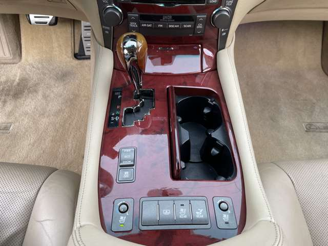 マークレビンソン・サウンドシステム搭載!車内にコンサートホールのような臨場感を再現してくれます♪