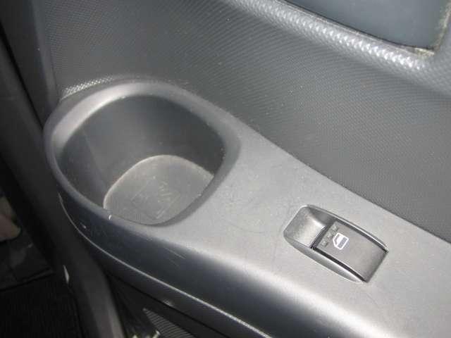 トヨタ bB 1.3 S 4WD 中古車在庫画像11