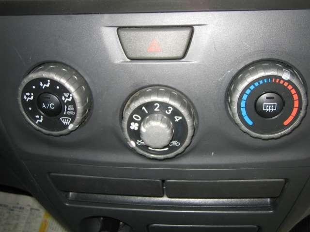 トヨタ bB 1.3 S 4WD 中古車在庫画像14