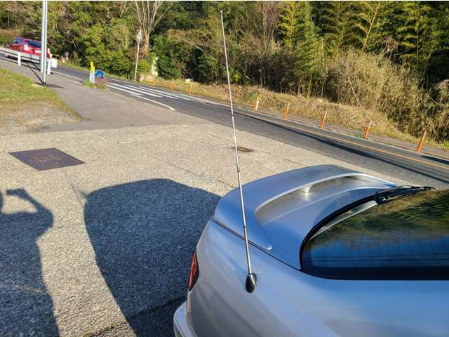 電動アンテナ、ちゃんと可動しますッッ!! 洗車する時、気を付けてッッ!!