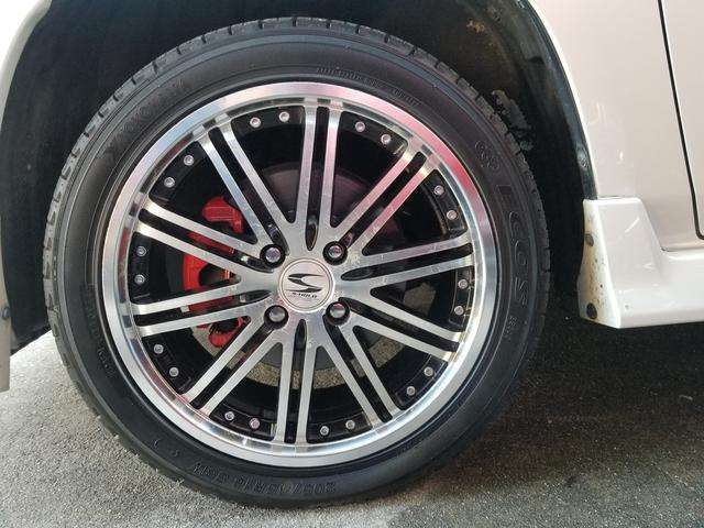 S-HOLDブラポリ16インチアルミホイール&耐熱塗装を施した、レッドキャリパーで・・・足元もオシャレにまとめて見ました!!