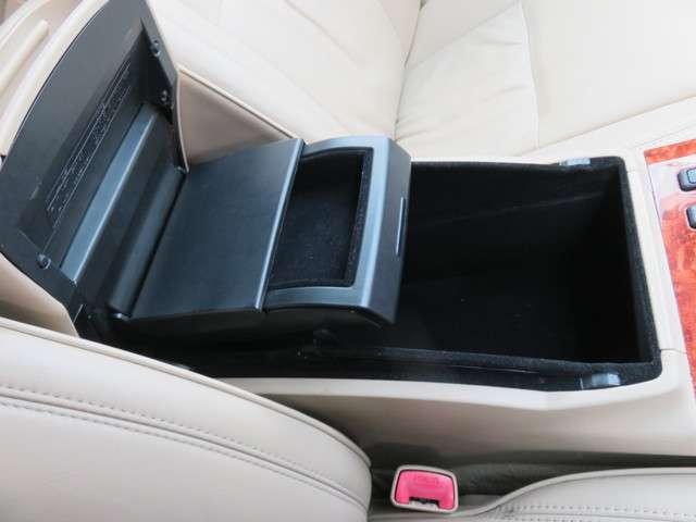 トヨタ クラウンロイヤル 3.0 ロイヤルサルーンG 中古車在庫画像16