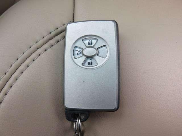 トヨタ クラウンロイヤル 3.0 ロイヤルサルーンG 中古車在庫画像4
