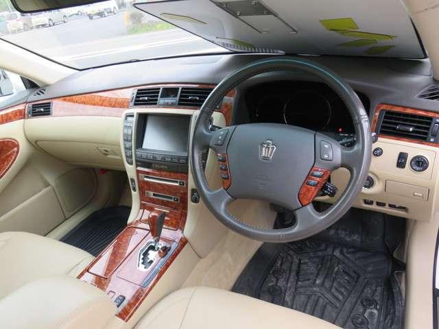 トヨタ クラウンロイヤル 3.0 ロイヤルサルーンG 中古車在庫画像5