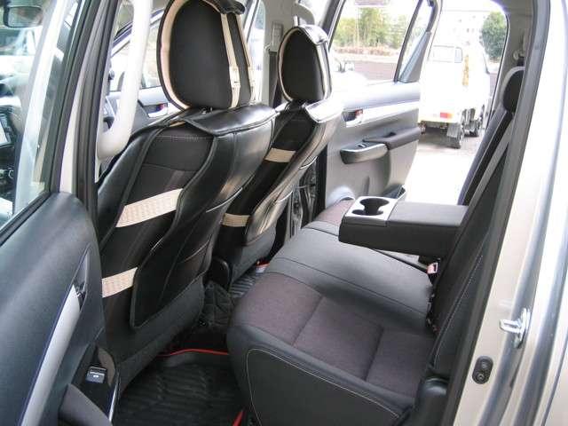 トヨタ ハイラックス 2.4 Z ディーゼルターボ 4WD 中古車在庫画像11