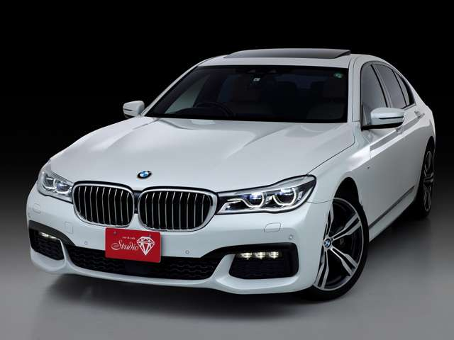 BMWのフラッグシップセダンの7シリーズの中でも内装と走行性能にこだわったMスポーツモデルです。