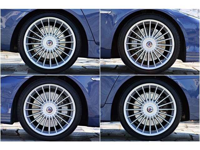 550ps に、MAXトルクは 72.9kgm から 74.4kgm にUP。   中古車市場で流通しているのは、2011年から2012年前半のマイナーチェンジ前の車両も多く、