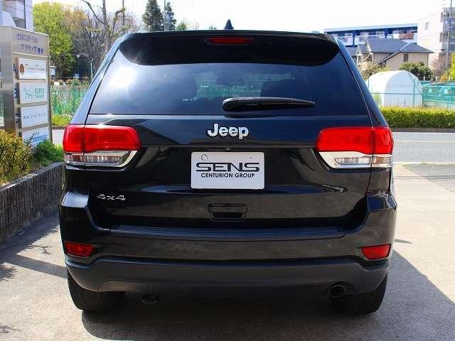 JEEPの4×4は、最大のトラクションを持つアクスルに速やかに駆動力を伝達しトラクションをキープするオールスピードトラクションコントロールを提供しています。