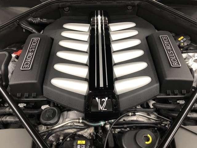 ◆V型12気筒ツインターボエンジン