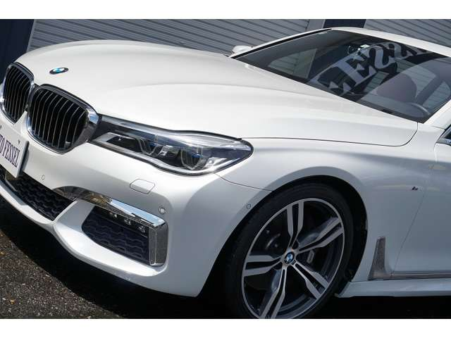 BMWレーザーライト・レーザーモジュール付LEDハイビーム/ロービーム・LEDインジゲーター・LEDアクセントライン・LEDコーナリングライト