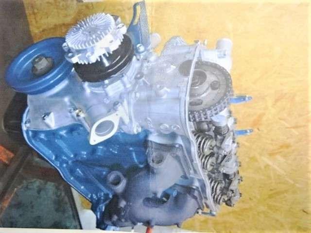 エンジンの作業明細などはありません、あるのは実際に搭載されているエンジンと写真のみです。