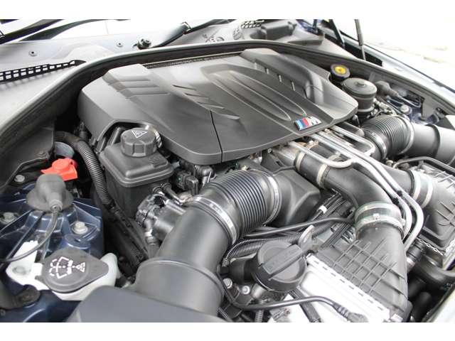 ■V8・4.4L Mツインパワーターボエンジン/馬力560PS/トルク59.3Kgm(カタログ値)■