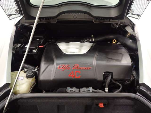 4Cはエンジン停止後にターボチャージャーを保護する自動冷却システムを備えている。