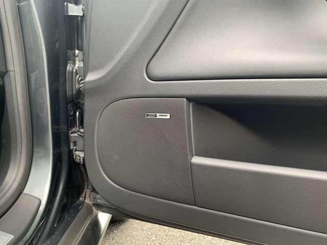 BOSEサウンドシステムが装備されております。ドライブ中もお好きな音楽を高音質でお楽しみください。