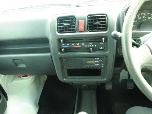 スズキ キャリイ 660 KCエアコン 3方開 4WD 中古車在庫画像12