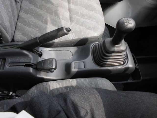 スズキ キャリイ 660 KCエアコン 3方開 4WD 中古車在庫画像15