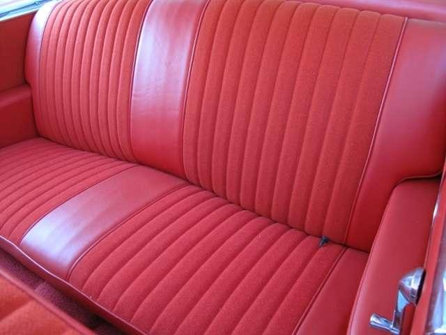 後部座席です。