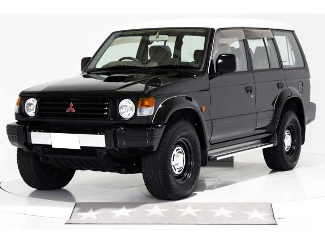 4WD 丸目ヘッドライト仕様 ヴィンテージ16インチアルミホイール ハード背面タイヤカバー LEDテールランプ 噴射ポンプ修理 寒冷地仕様車 3列シート 7人乗り 1ナンバー登録可能