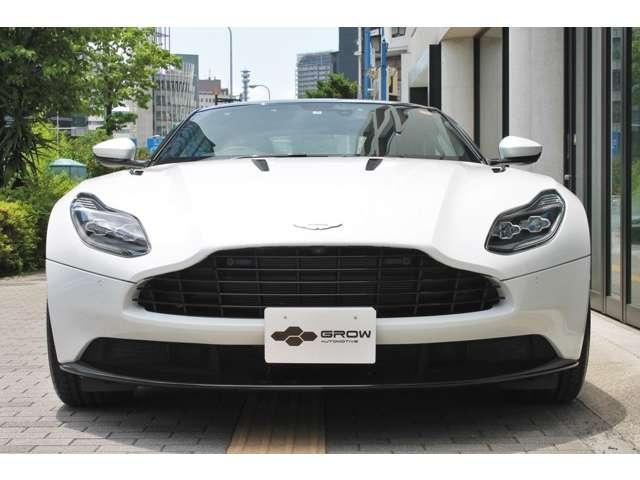 内外装共にコンディション良好です。初回車検の平成32年5月までメーカー保証がご利用いただけます。
