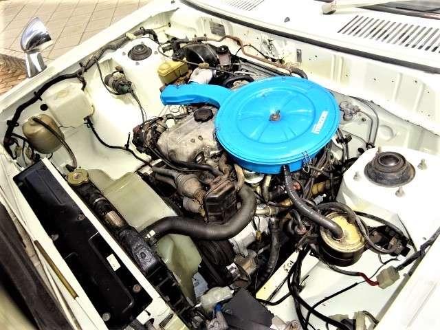 エンジン好調!エンジンルーム内にも多少錆はありますが良好です!