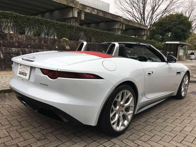 カラーはオプションカラーのユーロンホワイトです。(¥172,000)状態はとても良いです。