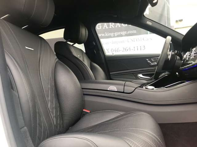 助手席シートの状態も綺麗です!高級感ある黒革シート。AMG刻印入り!パワーシート・シートヒーター・クーラー装備!クッション性が非常に高く、快適な乗り心地をご提供いたします。