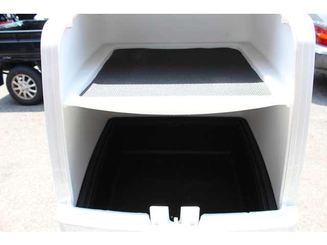 三段式構造で仕切りは脱着が可能となっておりますので大型荷物も収納することが可能です!!