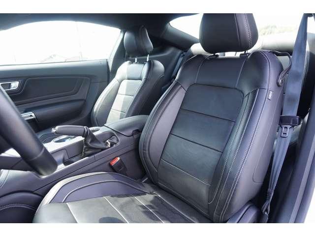 電動シート&シートヒーター&シートクーラー装備!内装も非常に綺麗な状態です。オールシーズンに対応できる仕様となっておりうれしい装備です!