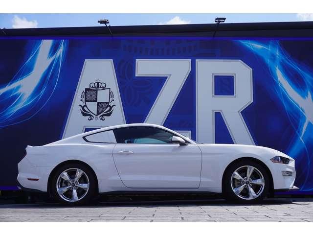 全長:4760mm×全幅:1870mm×全高:1860mm アメ車のわりにはコンパクトに見えますが、走りは十分楽しめるお車となっております!