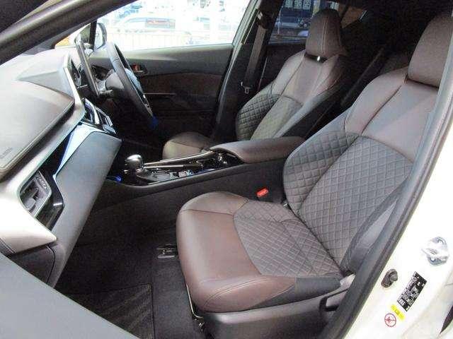 トヨタ C-HR ハイブリッド 1.8 G LED エディション 中古車在庫画像12