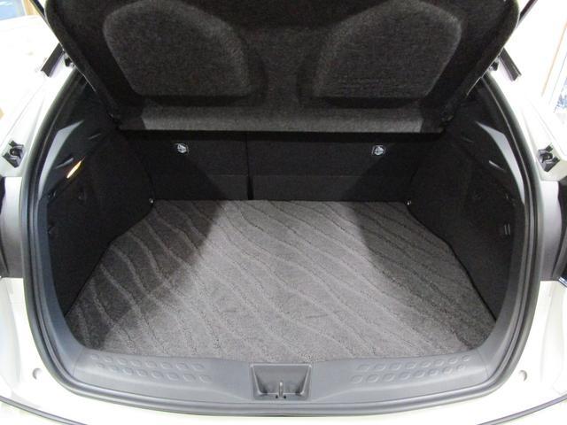 トヨタ C-HR ハイブリッド 1.8 G LED エディション 中古車在庫画像14