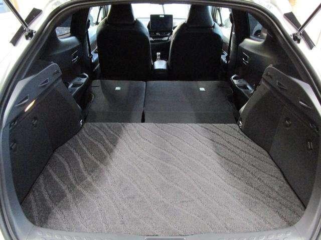 トヨタ C-HR ハイブリッド 1.8 G LED エディション 中古車在庫画像15