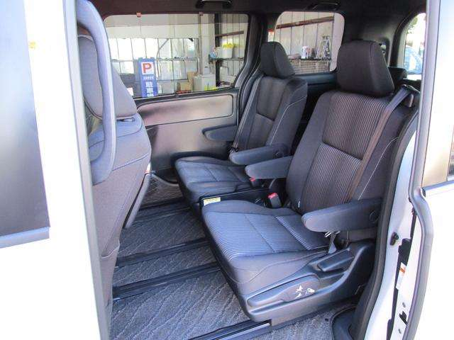 トヨタ ヴォクシー 2.0 ZS 中古車在庫画像12