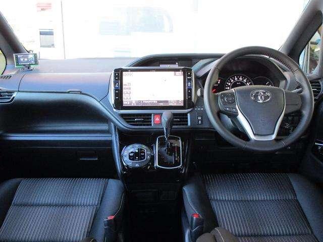トヨタ ヴォクシー 2.0 ZS 中古車在庫画像9