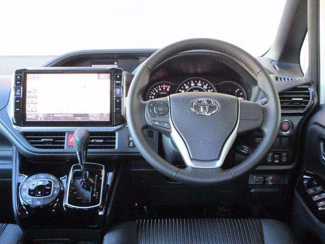 トヨタ ヴォクシー 2.0 ZS 中古車在庫画像10
