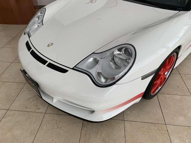 GT3が他の996と同じラインで組み立てられているのに対し、GT3RSはヴイザッハのポルシェモータースポーツで一日一台ペースでの生産だったようです。