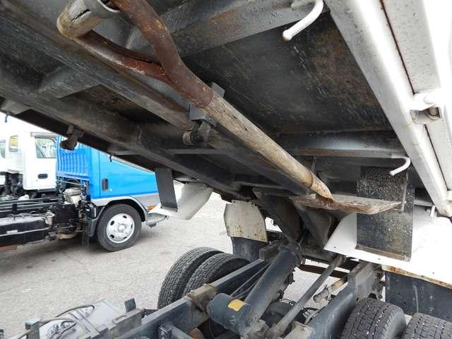 日野自動車 デュトロ 全低床 3トンダンプ 中古車在庫画像3