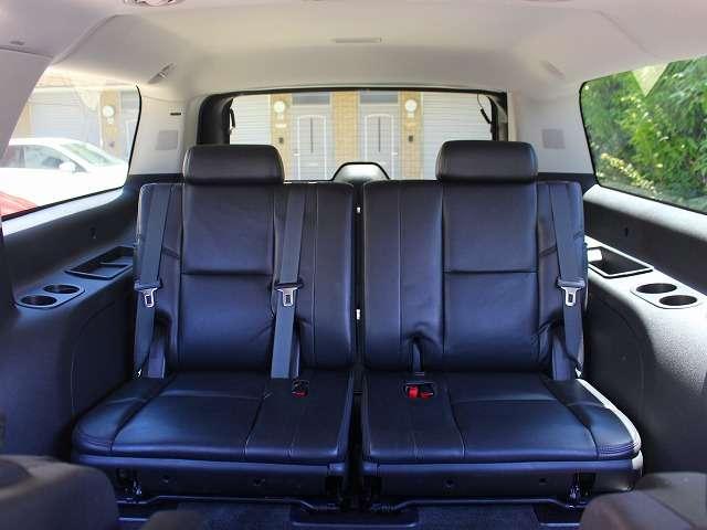 サードシートも使用感少なく、シワ、ヘタリなどなくハリのある状態を保っております。