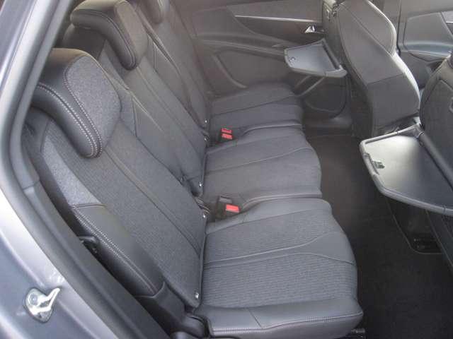 後部座席の使用感も少なく内装の状態は◎です!