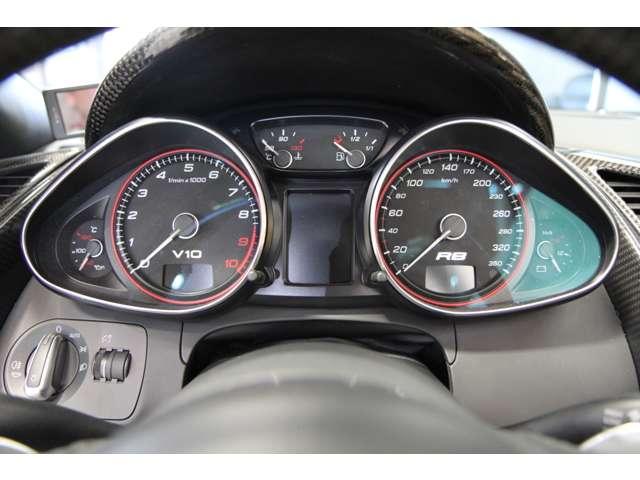 アウディR8スパイダー5.2 FSI クワトロ 4WD正規D車愛知県の詳細画像その15