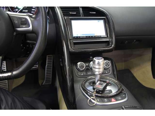 アウディR8スパイダー5.2 FSI クワトロ 4WD正規D車愛知県の詳細画像その16