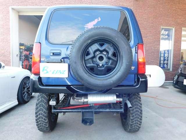 ★背面タイヤも付いてます!