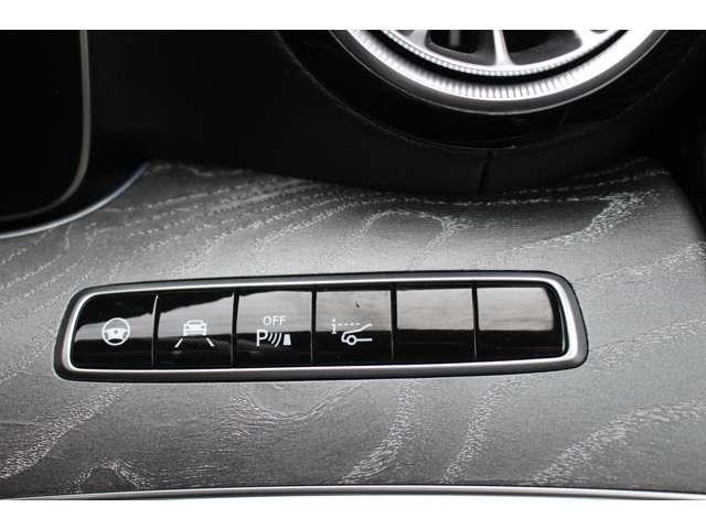 ADAS(先進運転支援システム)ウインカーを操作するだけで自動的に車線変更してくれるアクティブレーンチェンジングアシストやなども搭載