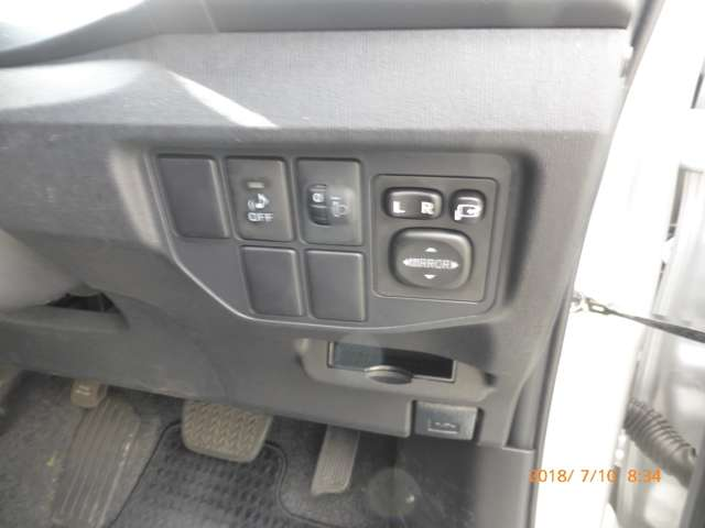 トヨタ プリウス 1.8 L 中古車在庫画像17
