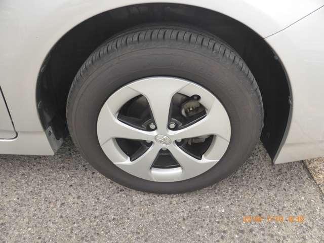 トヨタ プリウス 1.8 L 中古車在庫画像4