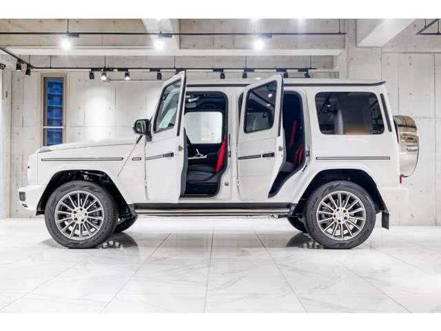 メルセデスベンツやポルシェなどの高級車を中心に、新車や中古車など、お客様のさまざまなニーズに、豊富な知識と経験を持ったスタッフがお応えします。
