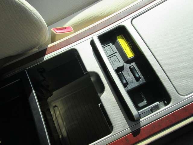 トヨタ アルファード 2.4 240X 4WD 中古車在庫画像13
