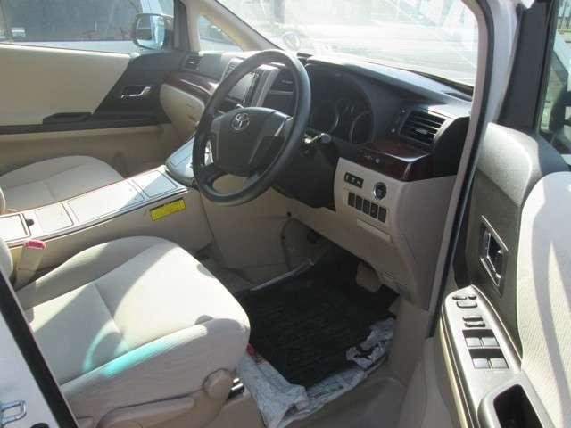 トヨタ アルファード 2.4 240X 4WD 中古車在庫画像6