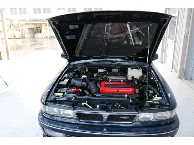 エンジンルーム内の錆びた部品も再めっきを行い、錆びたねじ類も交換済みです。