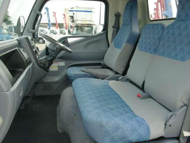 乗車定員:3名!当社クレーン・ダンプカー・トラック専門店 (トラックのフジ) で検索GO!!http://www.trucknofuji.jp/